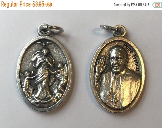 FINAL CLEARANCE 5 Patron Saint Medal Findings, Undoer of Knots, Pope Francis, Die Cast Silverplate, Silver Color, Oxidized Metal, Made in It