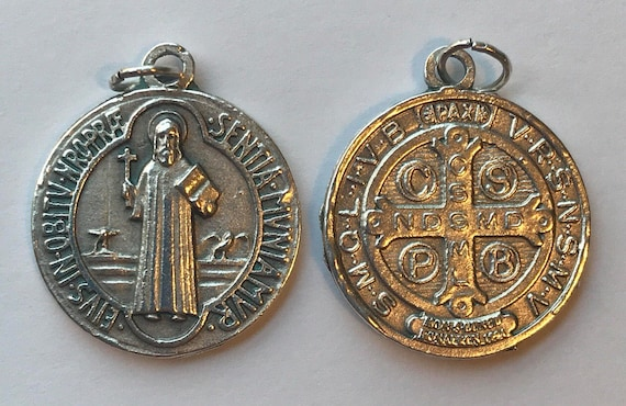 Patron Saint Medal Finding - St. Benedict, Die Cast Silverplate, Silver Color, Oxidized Metal, Made in Italy, Charm, Drop, Religion