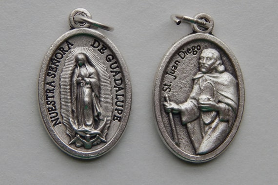 5 Patron Saint Medal Findings - St. Juan Diego, Double, Die Cast Silverplate, Silver Color, Oxidized Metal, Made in Italy, Charm