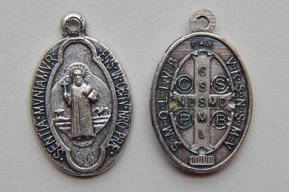 Patron Saint Medal Finding - St. Benedict, Latin, Die Cast Silverplate, Silver Color, Oxidized Metal, Made in Italy, Charm, Drop