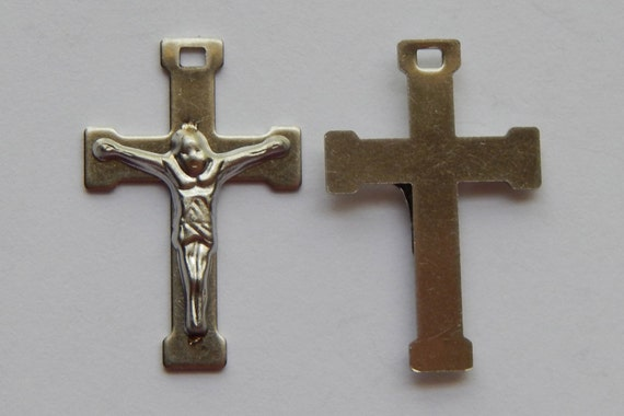 1 Crucifix Charm - 26mm Long, Stainless Steel Metal, Silver Color, Rosary Parts, Crucifixes, Simple Style, Cross, Pendant, RR106