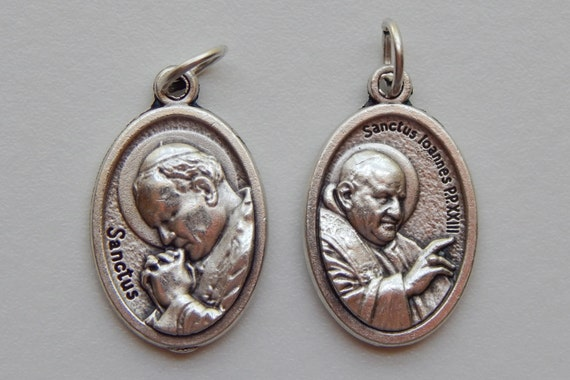 Patron Saint Medal Finding - Pope John Paul II, Die Cast Silverplate, Silver Color, Oxidized Metal, Made in Italy, Charm, Drop