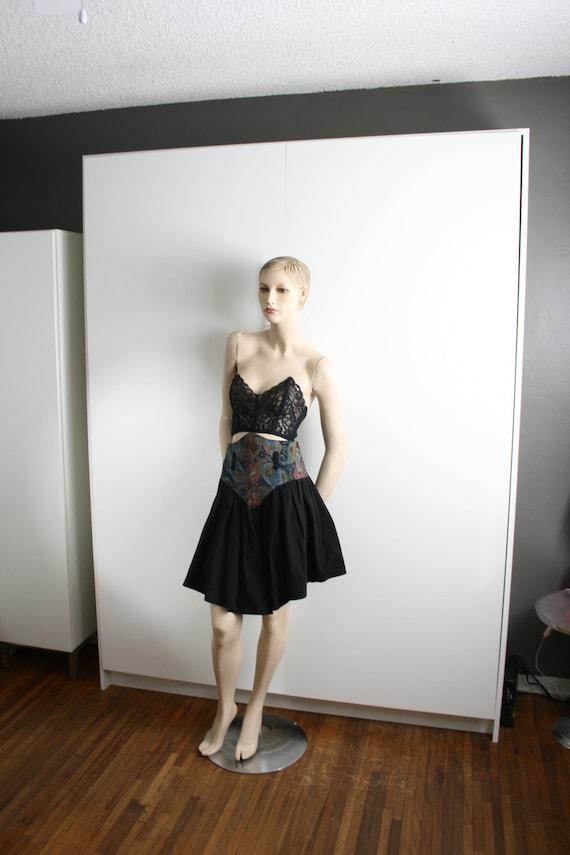 tapestry yoke paisley black full mini skirt vintag