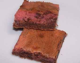 Raspberry ( Or Strawberry ) Cream Cheese Swirled Brownies ( 16 )
