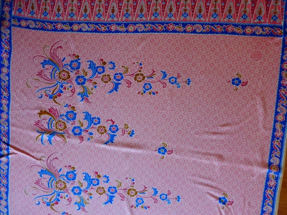 New  PINK  INDONESIAN SARONG  100/% Rayon   45 X 69   Perfect Condition
