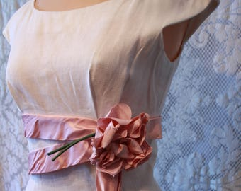Vintage 1950s White Linen Jerry Gilden Dress with Pink Satin Bow and Millinery Rose