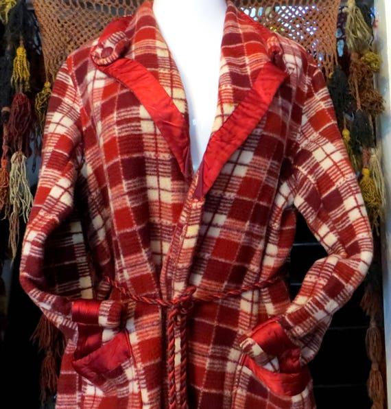 Heavy 30s Esmond Mills Beacon Style Robe/Coat