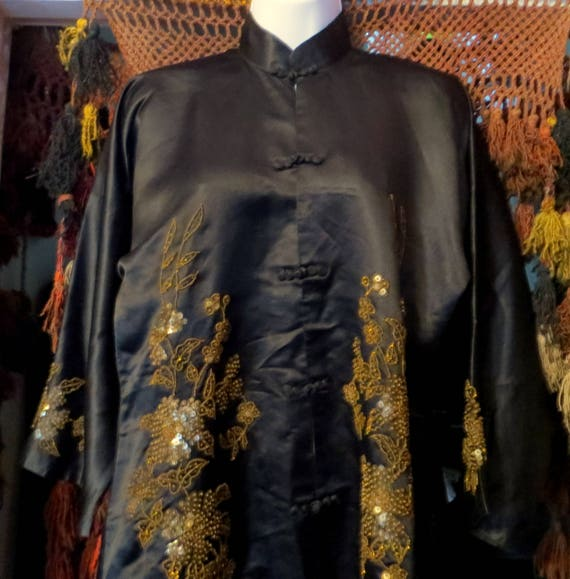SALE 1920s Silk Embroidered Sequin and Beaded Kim… - image 4