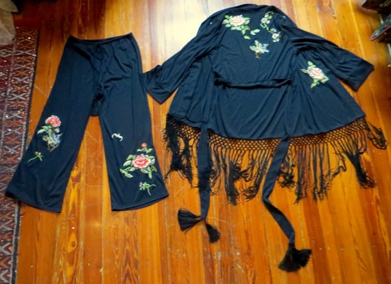 Fab 20s Style Natori 2 Piece Embroidered/Fringed B