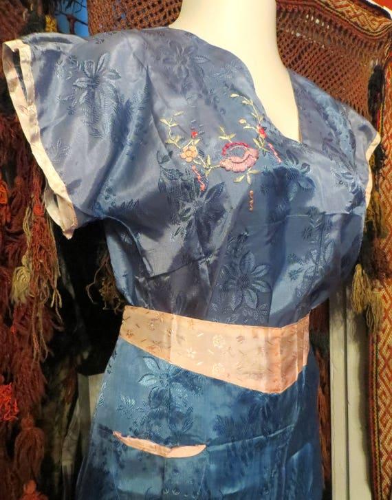 1930s/40s Asian Silk Embroidered Beach Pajamas - image 1