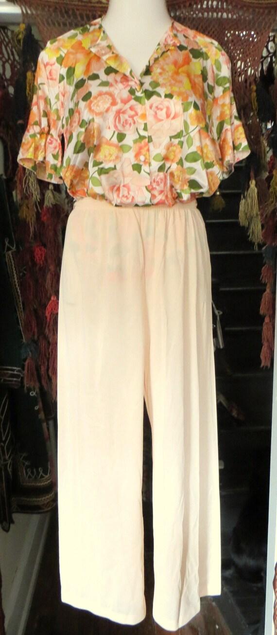 NOS Vanity Fair 50s/60s Floral Nylon Beach Pajama… - image 2