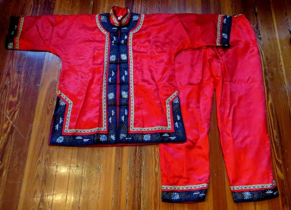 XL Hand Embroidered Silk Chinese Pajama Set