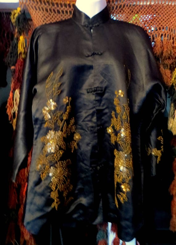 SALE 1920s Silk Embroidered Sequin and Beaded Kim… - image 2