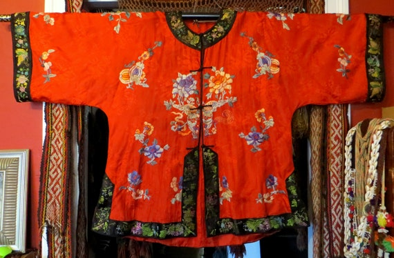 1920s/30s Chinese Red Silk Embroidered Kimono Jack