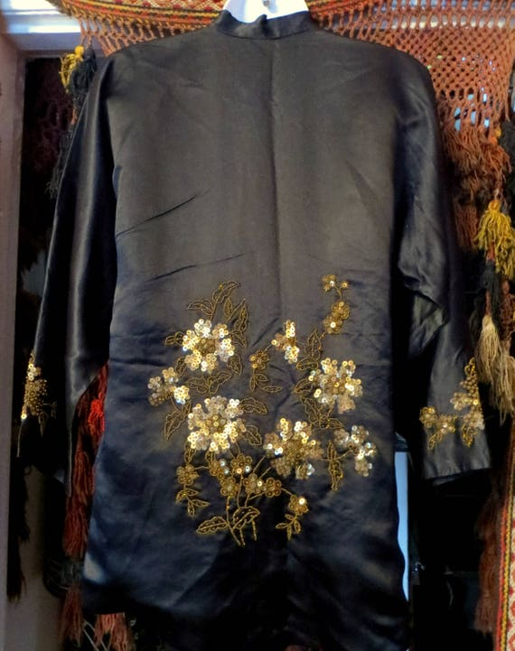 SALE 1920s Silk Embroidered Sequin and Beaded Kim… - image 6