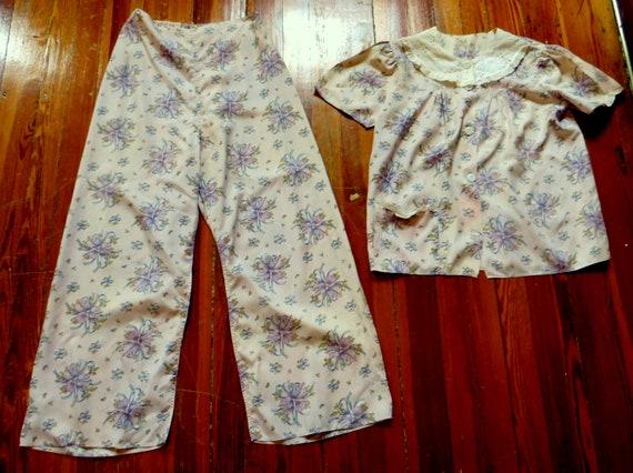 Fab 50s/60s Rayon Floral  Pajamas/Beach/Loungewear