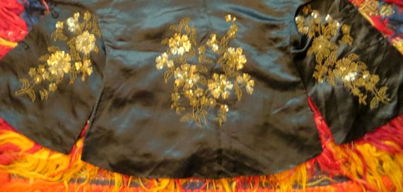 SALE 1920s Silk Embroidered Sequin and Beaded Kim… - image 8