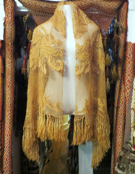 Victorian Handmade Crocheted Silk Thread  Ecru Fri