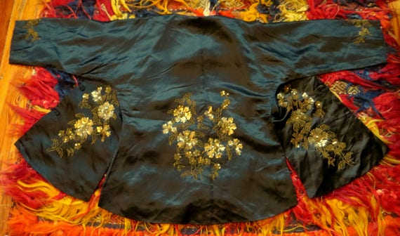SALE 1920s Silk Embroidered Sequin and Beaded Kim… - image 1