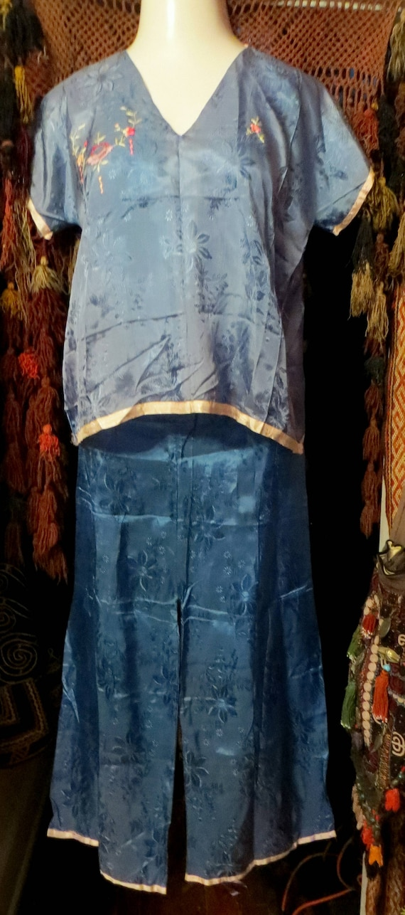 1930s/40s Asian Silk Embroidered Beach Pajamas - image 5