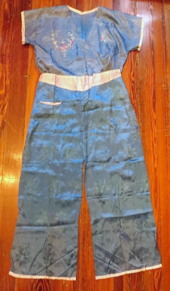 1930s/40s Asian Silk Embroidered Beach Pajamas - image 7