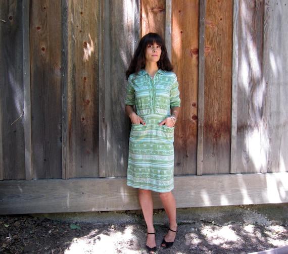 1950s dress Cotton green Shirtwaist day dress abst