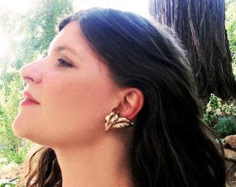 gold tone1960s earrings clips Mac allan