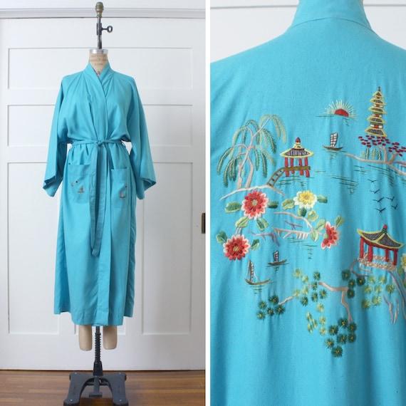 vintage raw silk Chinese embroidery robe • kimono