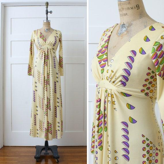 1970s vintage maxi dress • op-art print empire wai