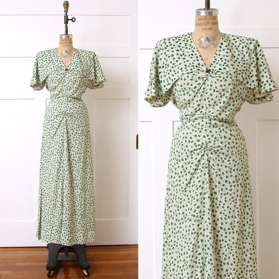 1940s caped dress • white and green hearts & vine