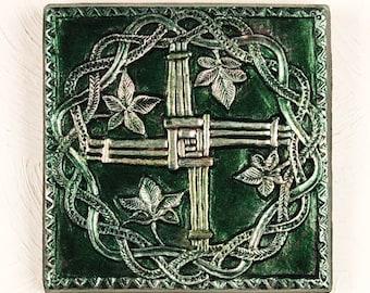 St Brigid Cross Christian Gifts, Rustic Wall Crucifix Art Religious Gifts, Garden Sculpture Godparent Gifts