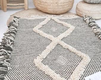Moroccan Wool Rug - SHADAOUI Kilim -  Whites Diamonds
