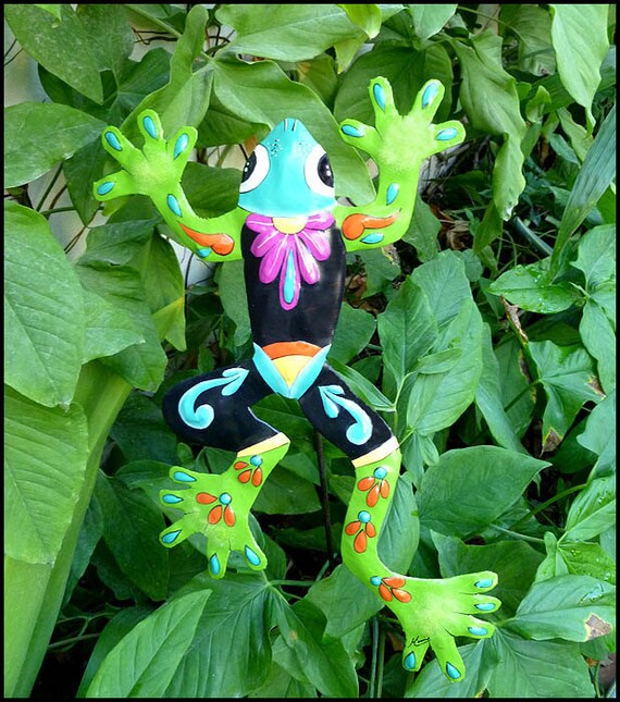 Outdoor Garden Art - Painted Metal Frog, Plant Stake - Yard Art, Plant Stick, Garden Decor - Outdoor Metal Art - Haitian art, PS-703-GR