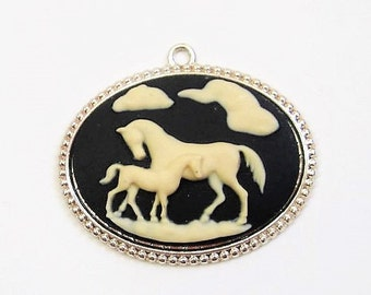 horse pendant large cameo style pendant in silver black white