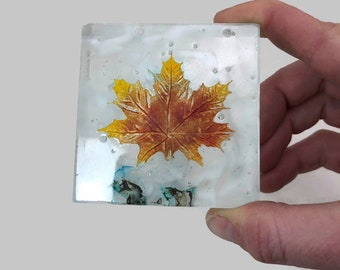 glass art, maple leaf, fused glass art, canadian art, home decor, art, glass paper weight,  paper weight, Glass ornament, glass sculpture