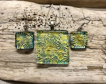 Dichroic glass, dichroic glass jewelry, fused glass, handmade dichroic glass, handmade fused glass, fused glass jewelry, pendant and earring