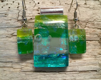 Dichroic glass jewelry, jewelry set, glass set, dichroic glass pendant, dichroic glass earrings, fused glass pendant, glass jewelry