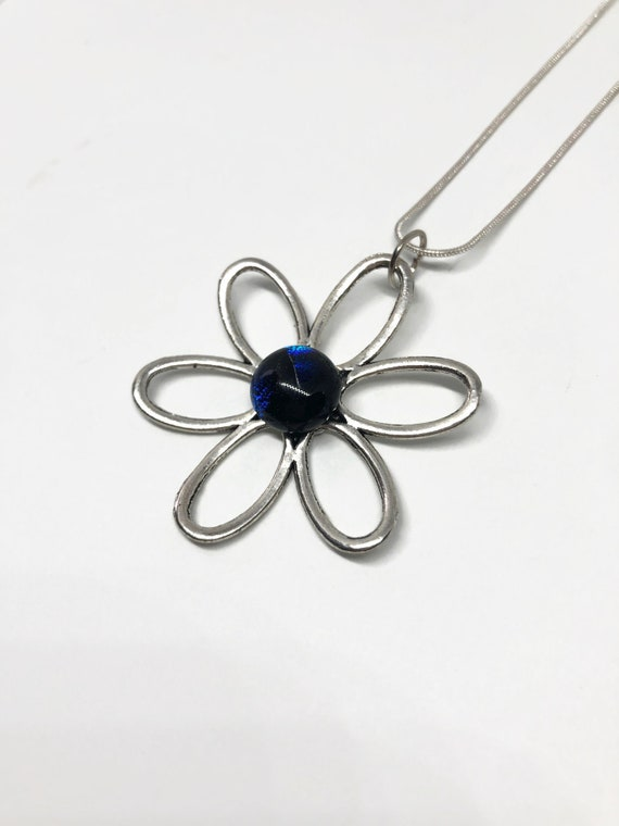 Daisy pendant, jewelry for her, Dichroic glass pendant, gifts for mom, fused glass jewelry, best friend gifts, fused glass pendant, gift