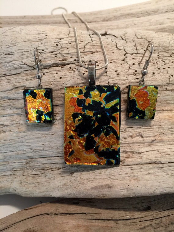 Dichroic glass sets, dichroic glass jewelry, fused glass, handmade dichroic glass, fused glass, fused glass jewelry, pendant and earring