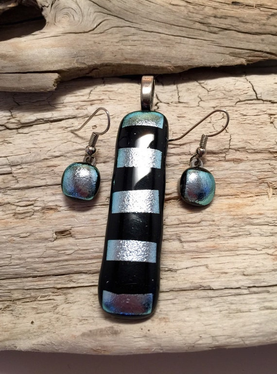 Dichroic glass pendant, dichroic glass, fused glass, handmade dichroic glass, handmade fused glass, fused glass jewelry, pendant and earring