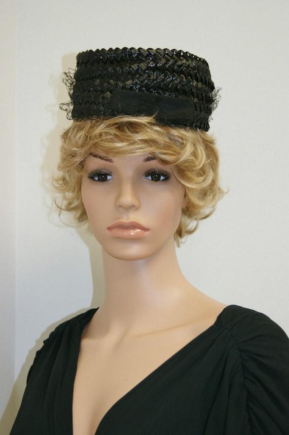 Vintage 50's 60's Black Straw PillBox Hat With Vei