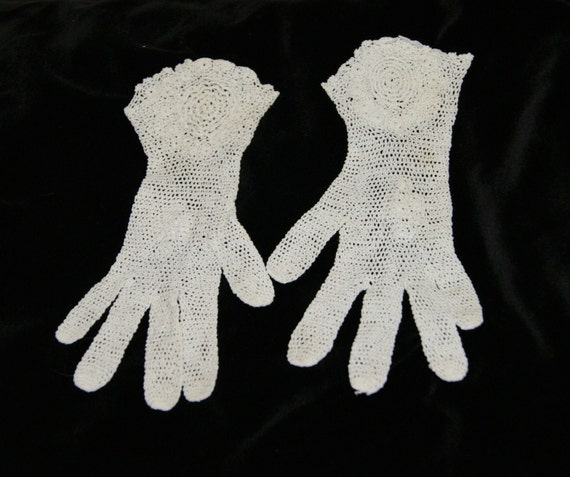 Vintage White Crochet Lace Gloves Flared Wrist Ga… - image 1