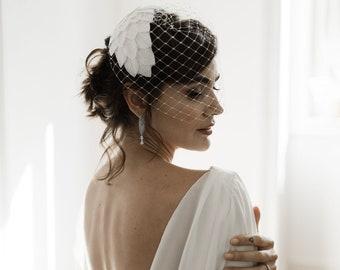 Elegant Bridal Cap Headpiece with birdcage veil - Half Hat Style Wedding 1950s wedding hat - 1940s wedding headpiece- Bridal hat with leaves