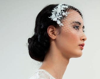 Ivory Birdcage veil  with Floral lace - Bridal veil with beaded flowers and leaves - Wedding accessory - Floral veil - champagnes veil