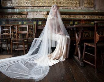 Cathedral drop veil and wedding headpiece, Vintage style crystal Tiara -Downton Abbey inspired wedding veil, drop veil