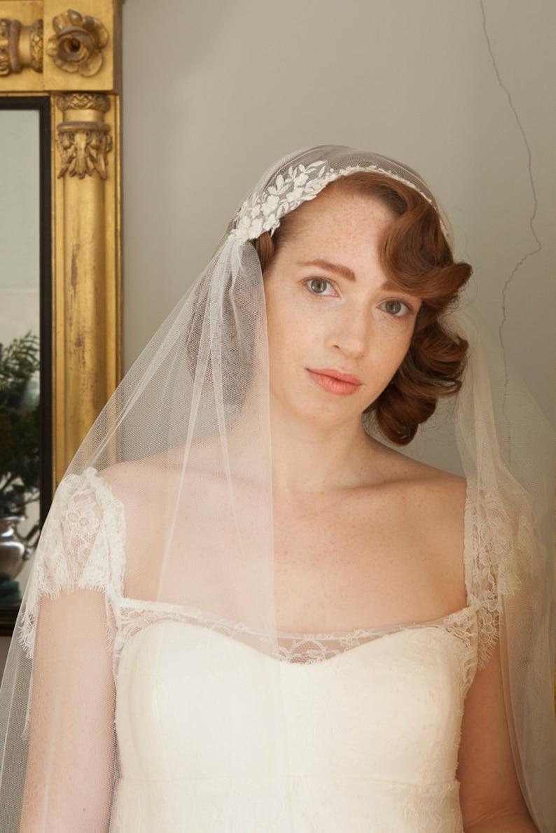 1308658f81280 Juliet Cap Veil with lace Kate Moss Wedding veil 1930s