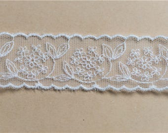 2.8cm white embroidery flower lace trim