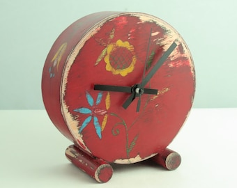 NO TICKING Red Desk Clock, Folk art Table Wood clock, Red Circle Clock, Folk flower, Floral ornament, Quiet / Silent clock, Desk decor