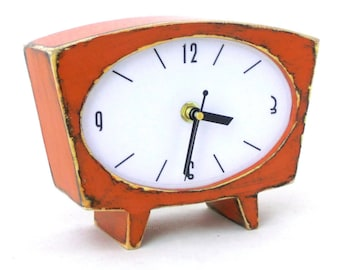 NO TICKING Orange Table clock, Wood Desk Clock, Wooden Vintage 60s style, Silent / Quiet Pumpkin clock, Fall Orange decor, Back to school