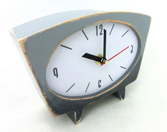 NO TICKING Gray Desk Clock, Grey Ombre clock, Shaded clock, Vintage 60s style, Silent Table clock, Winter trends,